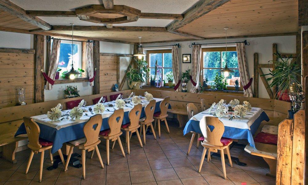Feste in famiglia al punto ristoro del Maso Schölzhornhof